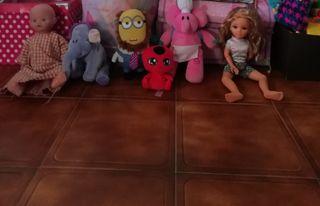 nancy, muñecos de pocoyo, de ladybug, minion,