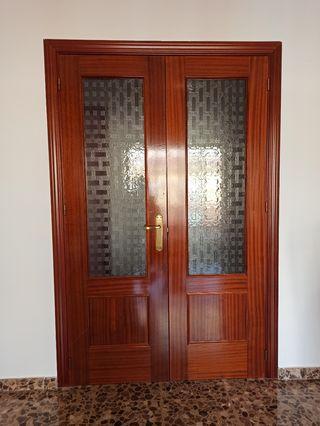 Puertas dormitorios, cocina y salón
