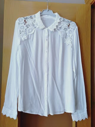 Blusa de encaje blanca de segunda mano en Alcalá de Henares