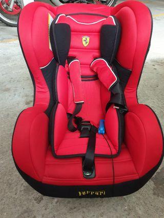 Silla de coche Ferrari de 0-18 kg.