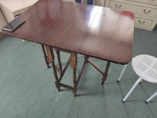Foulding Table