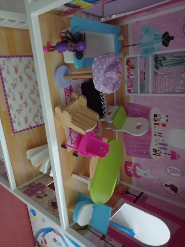 casita casa de muñecas Barbies Barby Miyo