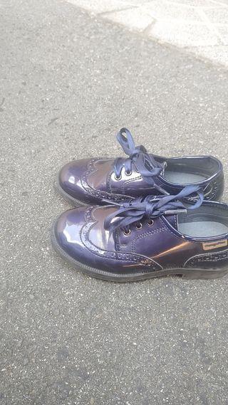 preciosos zapatos de charol