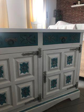 Mueble restaurado Blanco/Turquesa