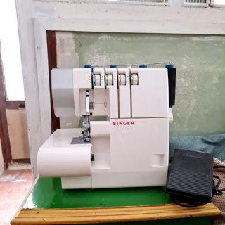 Maquina de coser overlock Singer 14SH754