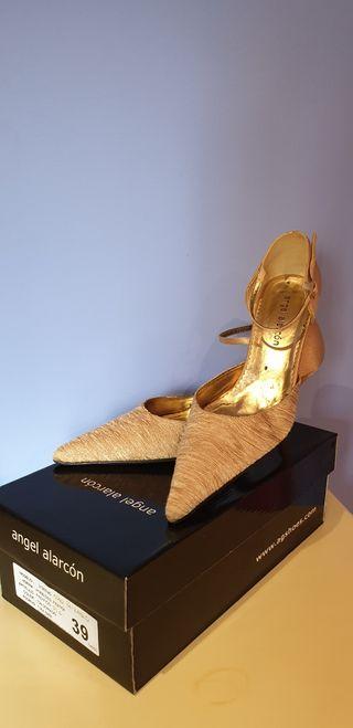 Zapato Fiesta Dorado 39