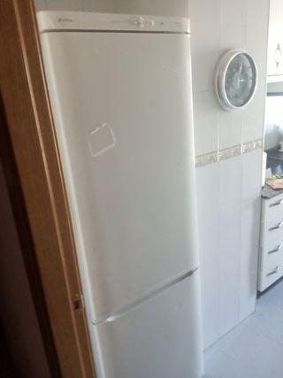 frigorífico blanco