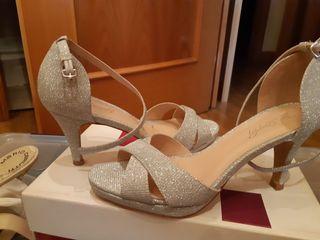 zapato fiesta plateado