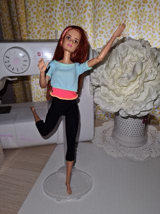 Barbie Fashionista articulada mtm