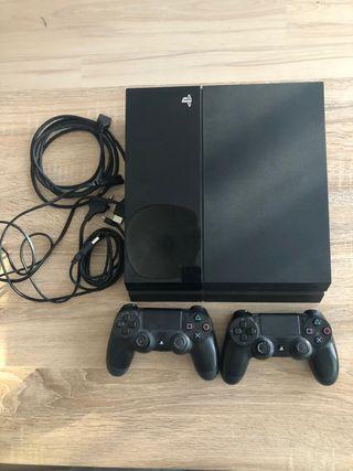 PlayStation 4 con 2 mandos