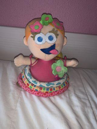 Muñeca para niños con pegatinas que quitan y ponen