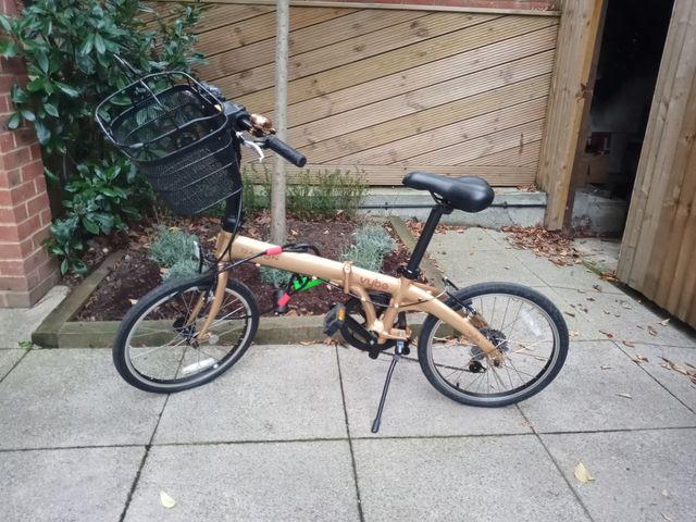 Dahon D7 Folding Bike with accessories