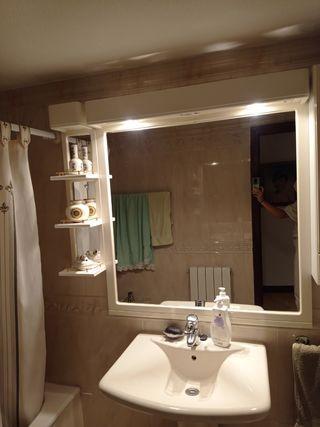 Espejo baño camerino y baldas pax