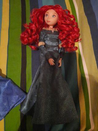 muñeca merida tipo barbie la vendo nueva sin zapas