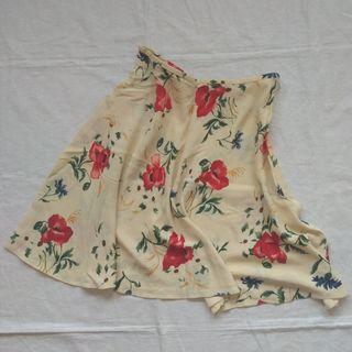 Falda ligera de flores