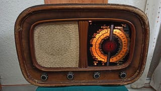 Radio antigua funcionando