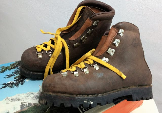 Antiguas botas alta Montaña KAMET nº 43