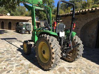Tractor John Deere 4520