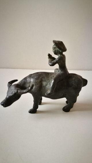 Figura china antigua de bronce o similar. Antigüed