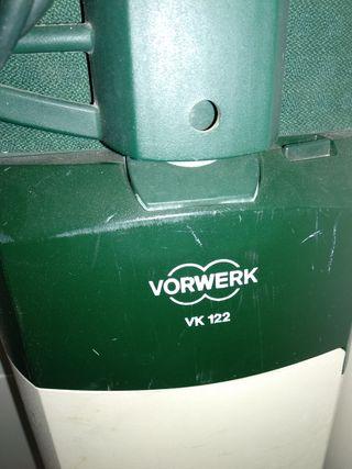 aspiradora Vorwerk 122 con accesorios de la foto