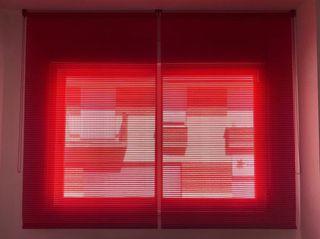 Estores rojos (Persianas enrollables)