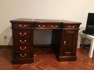 Mesa de despacho de madera nogal