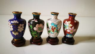 4 jarrónes chinos de cloissone. Miniaturas Bronce
