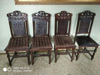 4 sillas clásicas. Antiguas