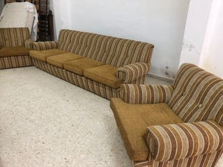 Sofá 4 plazas más dos sillones a Juego