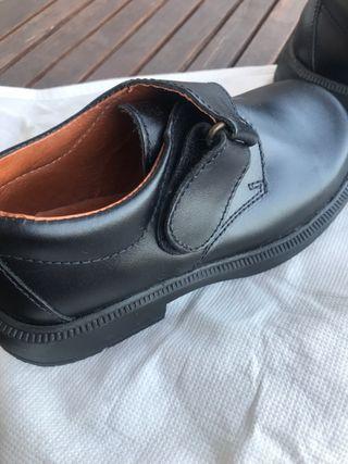 Zapatos de vestir para niño