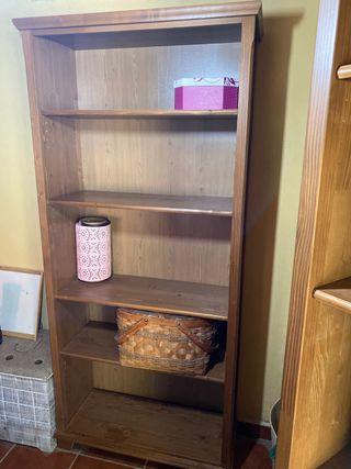 Dos estanterias de Ikea