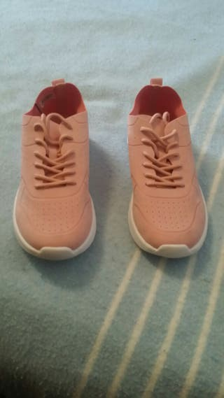 Comodísimas zapatillas de antelina