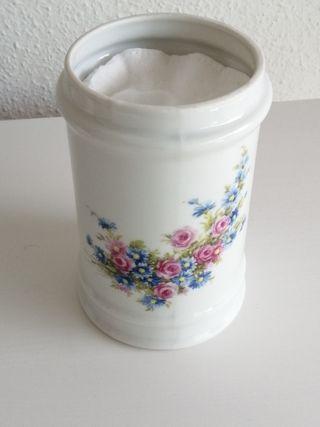 Recipiente porcelana. Algodonera