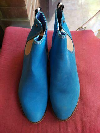 Botines azules