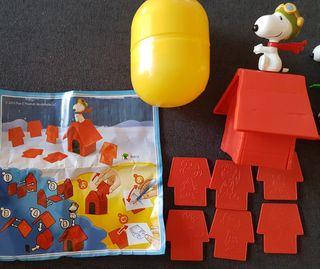 figuras kinder Snoopy