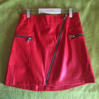 Falda roja bershka