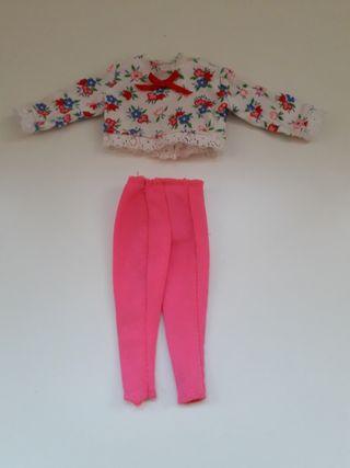 ropa muñeca Barbie - camiseta flores