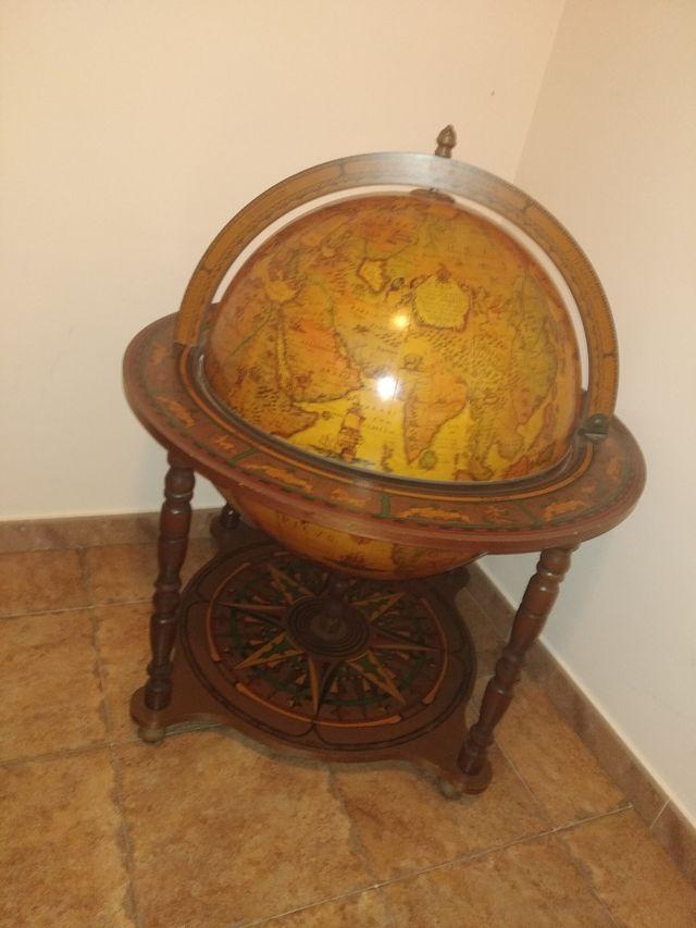 Botellero- mueble bar, bola del mundo