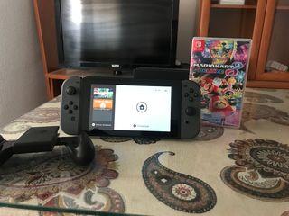 Nintendo switch perfecto estado + juego Mario kart