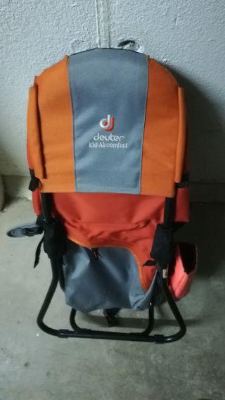 Mochila portabebés para excursiones de montaña