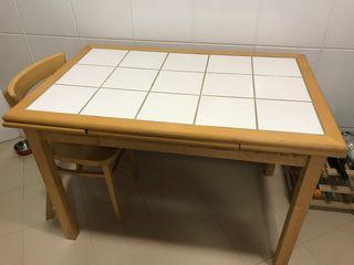 Mesa de cocina extensible de azulejos blancos