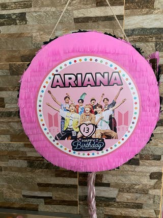 Piñata y pack BTS decoracion