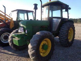Tractor JOHN DEERE 2140 Doble traccion.