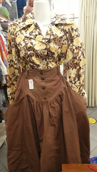 Camisa y falda vintage a estrenar