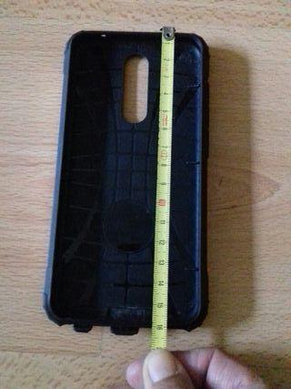 funda dorada mòbil rígida 16x8cm