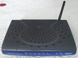 Router wifi con 4 conexiones ethernet
