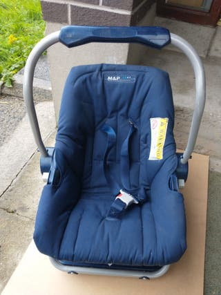 Blue Mamas & Papas Kids Small Child Baby Car Seat