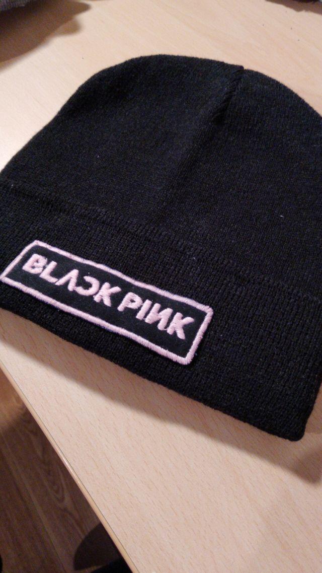 gorro black pink