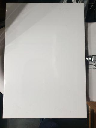 Baldosa azulejo blanca