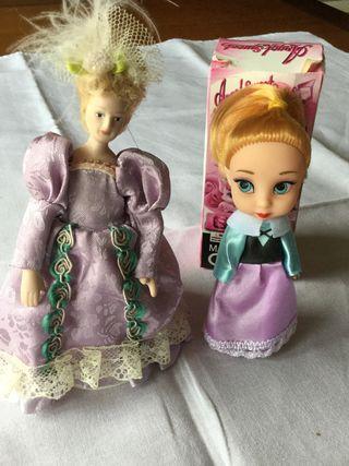 Muñecas Diferentes las dos